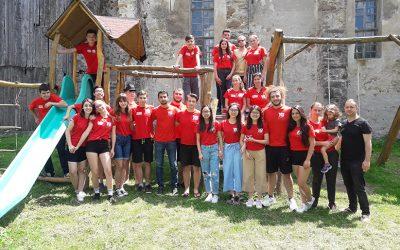 Nouă studenți din afara României se află timp de şase săptămâni la Făgăraș